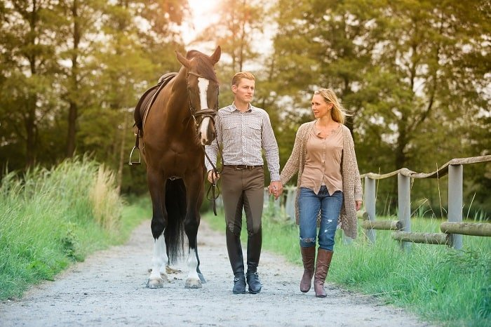 How Fast Do Horses Walk: Walking Speed of Humans