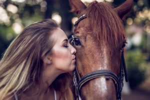 7 Gifts For People Who Like Horses