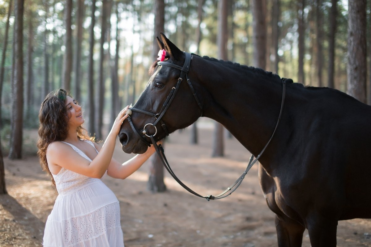 Can Pregnant Women Ride Horses - Safe Or Not